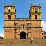 Die Kirche von Barichara von außen.