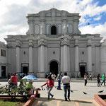 Die weiße Stadt Popayan, hier die Kathedrale.