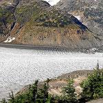 Die rechte Hälfte des Salmon Gletschers.
