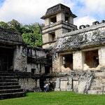 In Maya-Hochhaus.