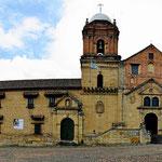 Die Hauptkirche von Mongui am Parque Central