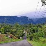 Die Weiterfahrt zum Arenalsee geht durch teilweise recht abwechslungsreiche Landschaft, ziemlich hügelig.