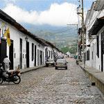 Am nachsten Morgen besuchen wir den Ort Giron, der dicht bei Bucaramango liegt. Es ist mal wieder einer der kolonialen Perlen in Kolumbien.