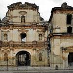 Nur die Eingangshalle der Kathedrale wurde als Kirche wieder repariert.