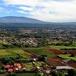 Blick übers Valley bei der Landung in Alajuela.