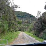 Und weiter geht es aus Onzaga heraus entlang eines engen Flusstals.