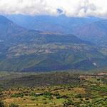 Blick über das Tal des Rio Suarez. Barichara liegt direkt an der Abbruchkante des Tales.