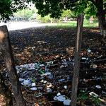 Zwischen Campingplatz und Finca (mit Hotel und Restaurant) ein Müllabladeplatz - wir sind halt in Guatgemala.