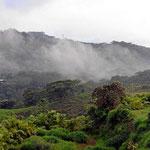 Auf dem Weg nach Alajuela / San Jose entlang der Panamerikana, wir fahren durch reizvolles Bergland.