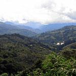 Das Zentralgebirge auf der Fahrt zur Quetzal Lodge.