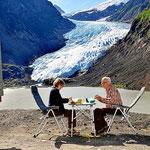 Mittagsessen im Angesicht des Gletschers.