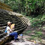 Zum Teil stehen die Anlagen mitten im Wald, das macht den eigentlichen Reiz von Palenque aus.