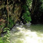 AuLanquin tritt ein kompletter Fluss heraus.