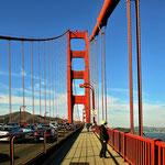 Spaziergang auf der Golden Gate Bridge.