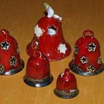 weihnachtliche Glocken aus Ton
