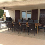 comfortable and generous garden pieces of furniture for 10 people, 2 awnings, gas barbecue