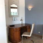 Schreibplatz im Wohnbereich