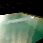 Gegenstromanlage bei Nacht... stufenlos verstellbar, endloses Schwimmvergnügen!