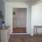 Eingangsbereich, Blickrichtung Gäste-WC und Garderobe