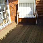 Holzterrasse mit Strandkorb, Elektro-Kontaktgrill mit Zusatztisch im Apartment verfügbar