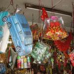 Zum Verbrennen bei chinesischen Beerdigungen bestimmt