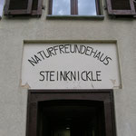 Eingang zum Naturfreundehaus Steinknickle Neuhütten