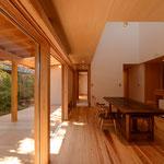吉田の家(長野市)・リノベーション|居間・食堂・デッキ