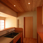 中条の家Ⅰ(松本市)-台所~居間食堂