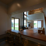 明科光の家(安曇野市)-台所~居間食堂