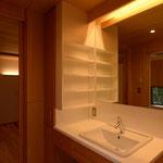 吉田の家(長野市)・リノベーション|洗面脱衣室~寝室