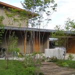 和田の家(松本市)-外観・外観・ビルトインガレージ