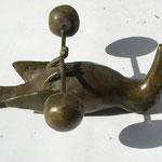 Toucan gisant, bronze,ht.13 cms