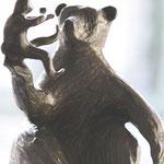 Jeu de mains, bronze, ht.26cms