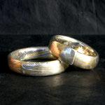 """""""Kissing Rings""""  aus 31schichtigem MokuMe Ganedie Ringe lagen einst nebeneinander im Musterdraht - nicht wie sonst hintereinander."""