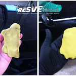 A gauche : Décontamination à la clay d'argile de l'aile AVG (très contaminée). A droite : Décontamination de l'aile AVD après passage du dégoudronnant !
