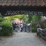 Radfahrer im Moormuseum