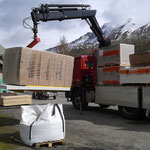 Livraison des matériaux pour la seconde saison de travaux 2013...