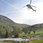 Héliportage d'approvisionnement de chantier, presque 30 tonnes de matériaux...