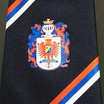 Logo corporativo en suplimación debajo del nudo,unicamente corbatas de stock