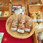 Wochenmarkt in Friedrichshafen - Ingwer und Trockenfrüchte - Trockenobst