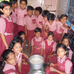 Students helping the school's kitchen