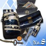 Prunkvolles Design Blaues Lackleder mit silber geprägtem Leder Volksfest Deggendorf Kaiser Tracht München