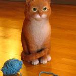 Рыжий кот в натуральную величину.