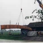 Brücke versetzen mit unserem Pneukran Dani Vogt D. Vogt Holzbau GmbH  Allmeindstrasse 27 8855 Wangen