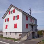 Renovation der Fassade Haus Eggenberger neue Optik Dani Vogt D. Vogt Holzbau GmbH CH 8855 Wangen SZ