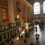 有名な建物、グランドセントラル駅はさすがニューヨーク。この雰囲気は最高です。