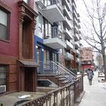 アッパーウエストサイド街並み視察。 マンハッタン郊外の住宅エリアです。