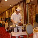北京ダックを目の前で料理