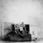 Teléfono roto 2005 || Técnica mixta sobre tabla, 57X63 cm.