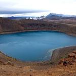 Lac de cratère volcanique à krafla